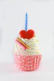 生日贺卡愉快杯形蛋糕的问候 库存照片