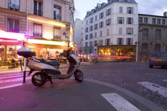 生活晚上巴黎 免版税库存照片