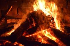 生火火焰 免版税库存照片