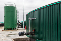 从生物气发电站的电 免版税库存照片