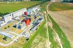 生物燃料工厂鸟瞰图 免版税库存图片