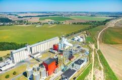 生物燃料工厂鸟瞰图 免版税库存照片