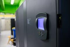 生物统计的锁在服务器屋子里 图库摄影