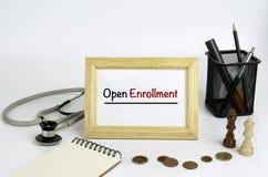 医生的与框架和文本的工作表-开放注册 免版税库存图片