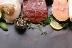 生肉、鱼和鸡 免版税库存照片