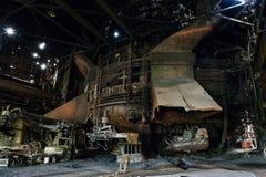 生铁鼓风炉-被放弃的钢铁厂 免版税库存照片