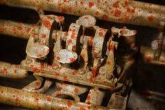 生锈一部分的一个非常老的喇叭- 免版税库存图片