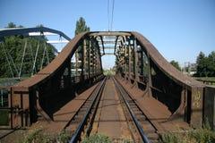 生锈桥梁的铁路 免版税库存照片