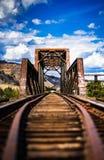 生锈桥梁的铁路 免版税库存图片
