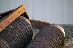生锈的农场设备 免版税库存图片