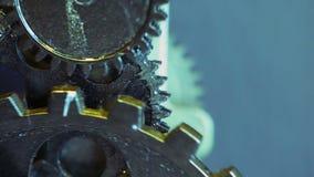 生锈的减速火箭的技工时钟齿轮 影视素材