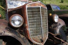 生锈的古色古香的卡车 免版税库存照片
