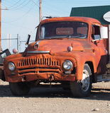生锈的古色古香的国际卡车 库存图片