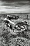 生锈的古董车B&W  免版税库存图片