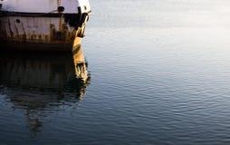 生锈的小船 库存图片