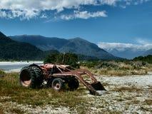 生锈的拖拉机 免版税图库摄影
