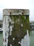 生锈的杆在港口 免版税图库摄影