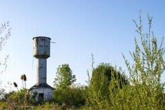 生锈的水塔 库存图片