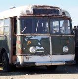 生锈的老公共汽车 免版税库存照片