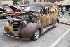 生锈的老运输卡车 免版税图库摄影