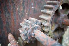 生锈的老齿轮特写镜头 库存图片