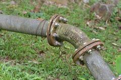生锈的老水管 免版税图库摄影