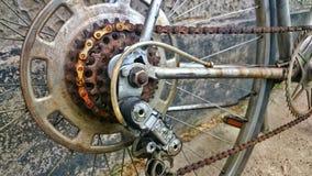生锈的自行车传输 图库摄影
