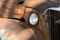 生锈的葡萄酒汽车 免版税图库摄影