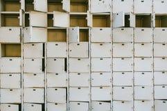 生锈的衣物柜 免版税库存图片