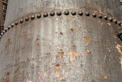 生锈的金属坦克 免版税库存图片