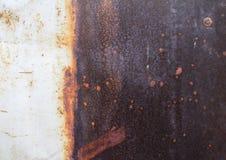 生锈的金属盘区白色颜色 免版税库存照片