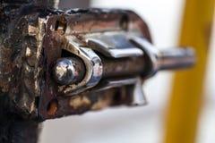生锈的金属锁 免版税库存图片