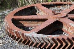 生锈的金属齿轮 免版税库存照片