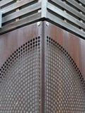 生锈的金属仿造了在角落加入的金属 图库摄影