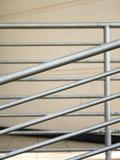 生锈的钢扶手栏杆特写镜头  免版税图库摄影
