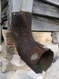 生锈的钢水落管特写镜头  库存图片