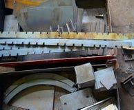 生锈的铁宿营在工业仓库里 库存照片