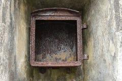 生锈的铁箱子 免版税库存照片