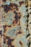 生锈的铁,老金属表面上的破裂的油漆,生锈的金属板料纹理与破裂和片状油漆,腐蚀, de的 免版税图库摄影