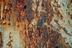 生锈的铁,老金属表面上的破裂的油漆,生锈的金属板料纹理与破裂和片状油漆,腐蚀, de的 免版税库存照片