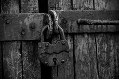 生锈老的挂锁 免版税库存图片