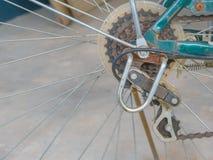 生锈自行车的齿轮 免版税库存图片
