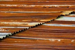 生锈金属的屋顶 免版税库存照片