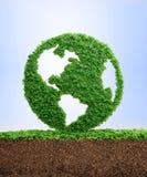 生长干净的eco行星地球概念 免版税图库摄影