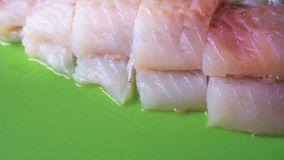 生鱼去骨切片准备好油煎 免版税库存图片
