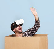 生活在一个虚拟世界上,概念 免版税库存图片