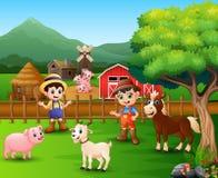 用不同的动物和农夫的农厂场面在仓前空地 向量例证
