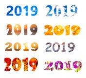 用不同的字体和背景的2019年数字 向量例证
