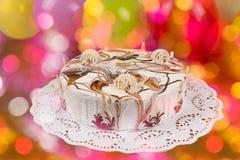 用不同的巧克力装饰品的开胃饼 免版税库存图片