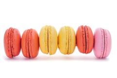 用不同的颜色和味道的Macarons 图库摄影